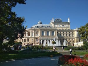 things to do in odessa opera house